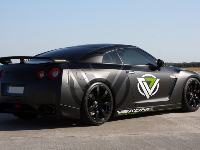 Vekone Nissan_GT-R_Black_Edition_2009
